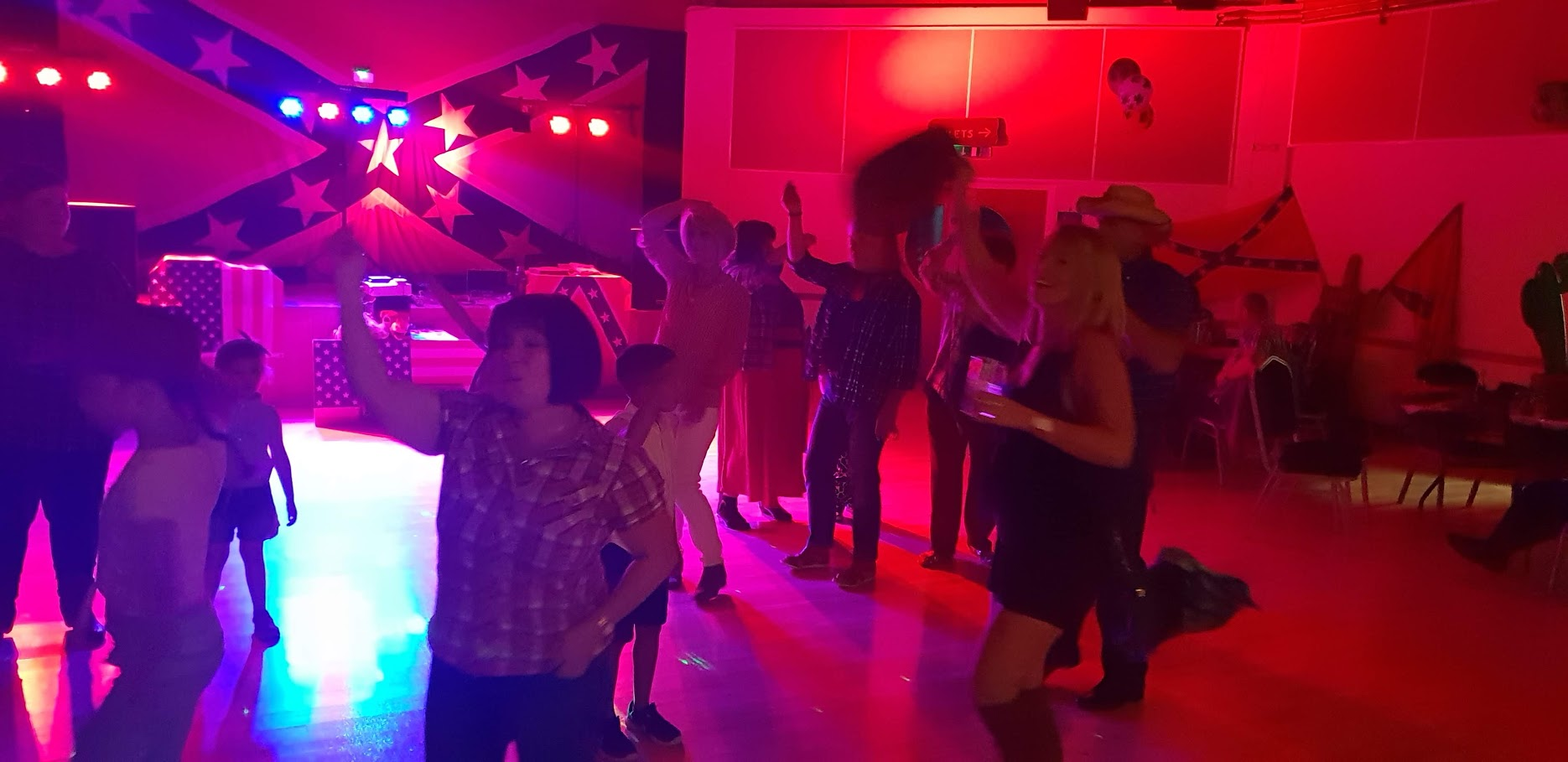 BARN DANCE CALLER IN LEICESTERSHIRE